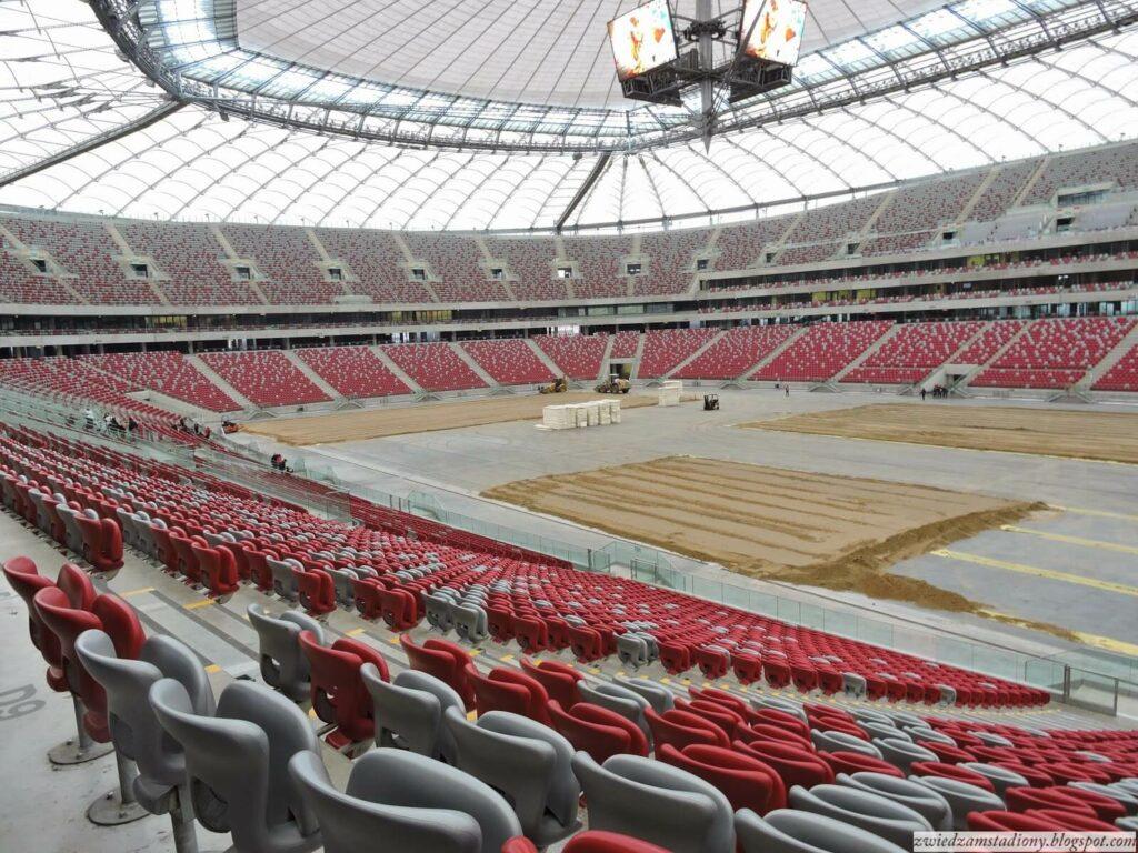 widok na trybuny stadionu narodowego W Warszawie