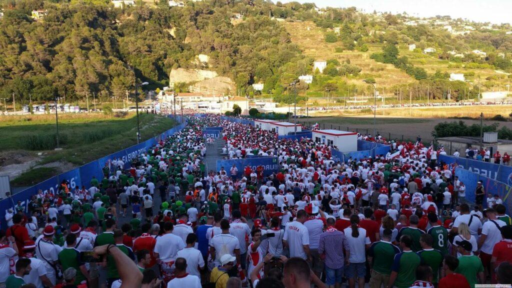 ibice powracający po meczu w Nicei