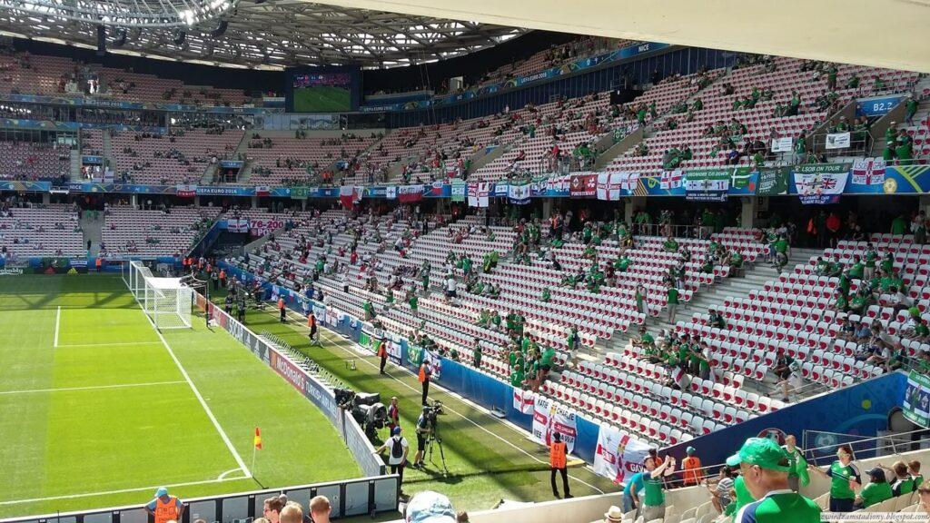 kibice Irlandii Północnej na stadionie w Nicei