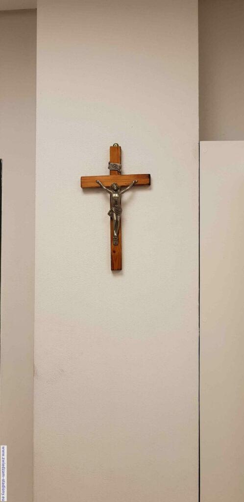 krzyż naścianie wszatni Cracovii