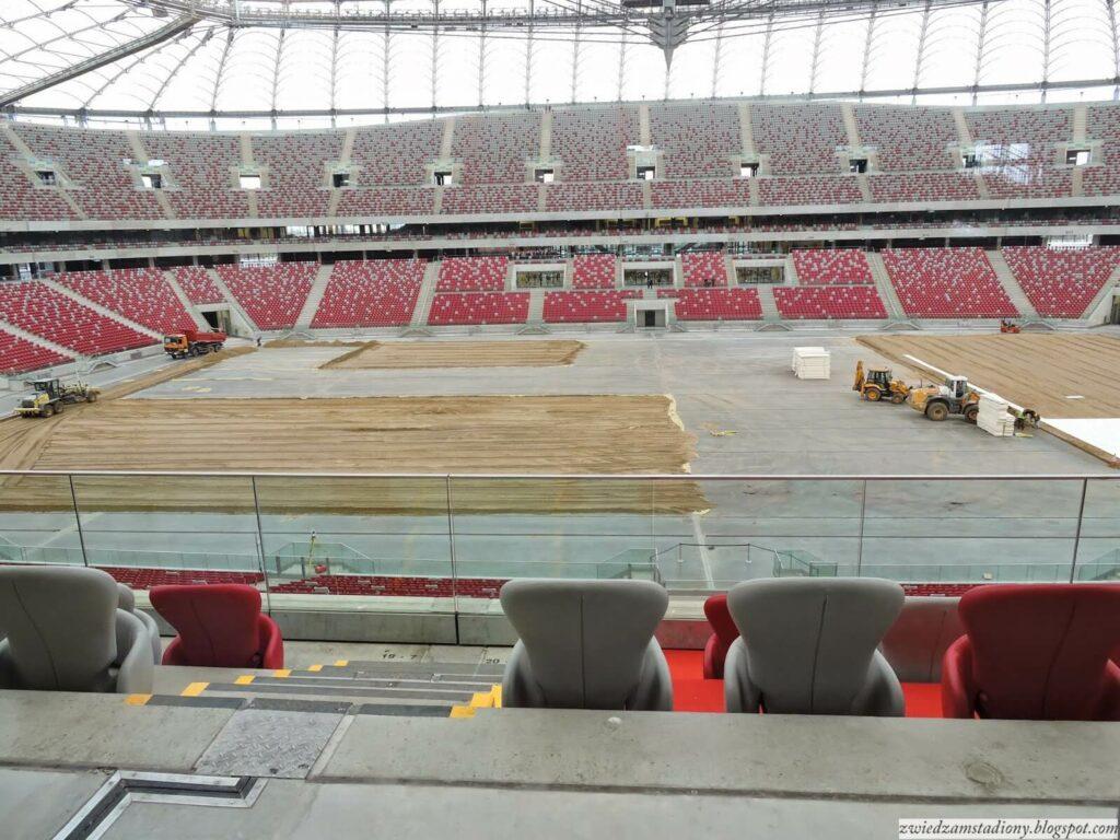 widok z loży prezydenckiej na murawę stadionu narodowego w Warszawie