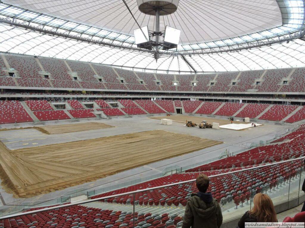widok z trybuny na łuku na stadionie narodowym w Warszawie