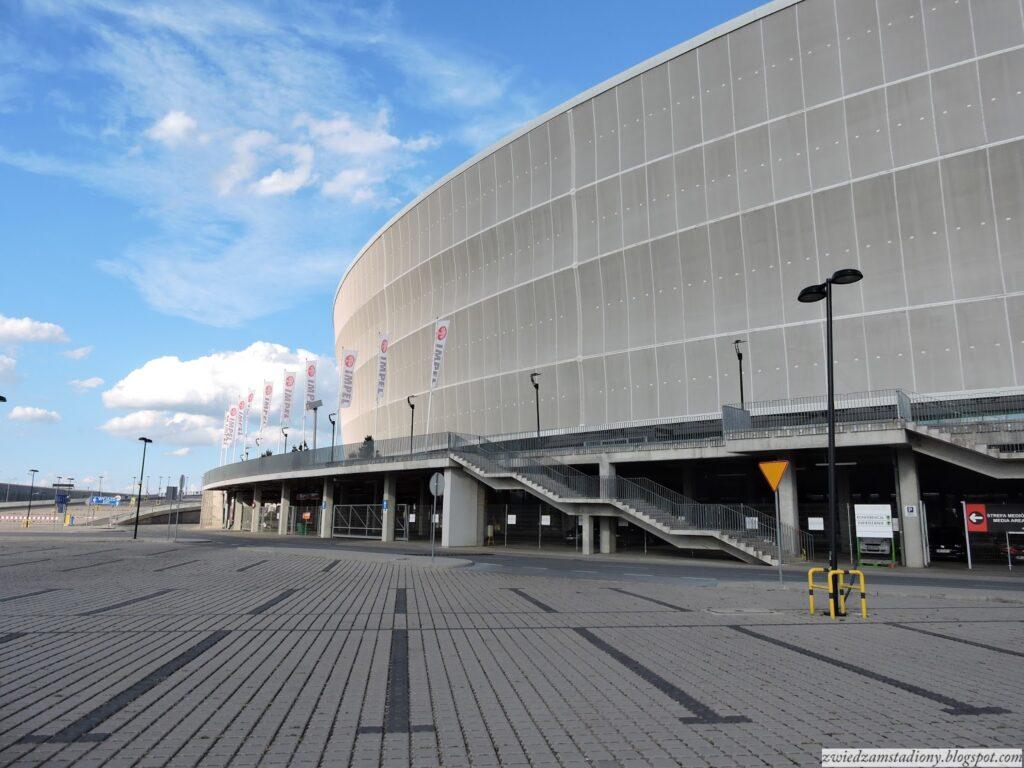 fasada stadionu weWrocławiu