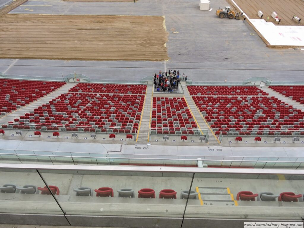 widok na trybunę VIP stadionu narodowego w Warszawie