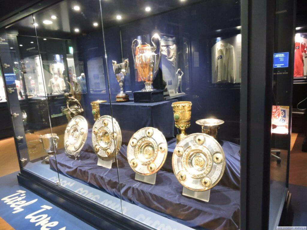 gablota z trofeami drużyny HSV Hamburg