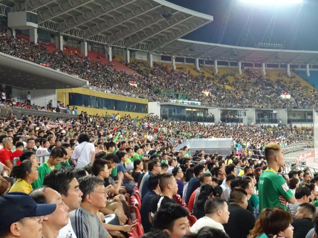 polak na stadionach w Chinach