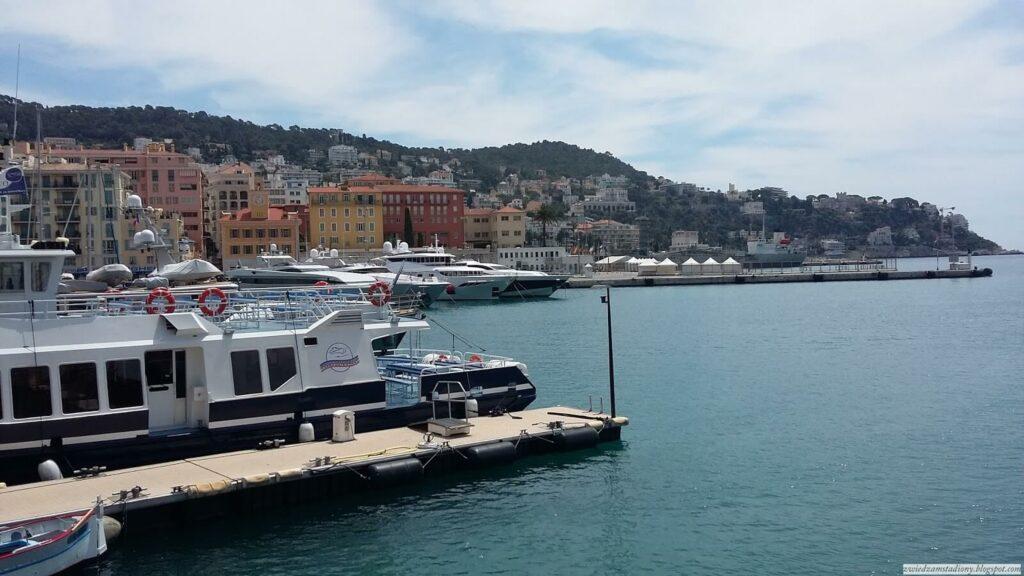 port jachowy w Nicei