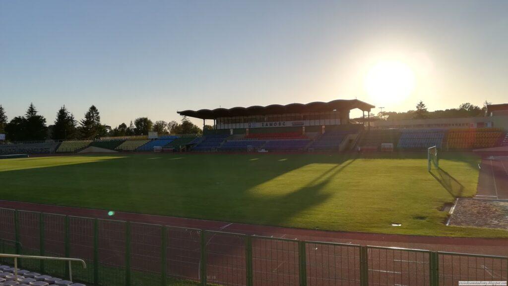 trybuna główna stadionu Hetmana Zamość
