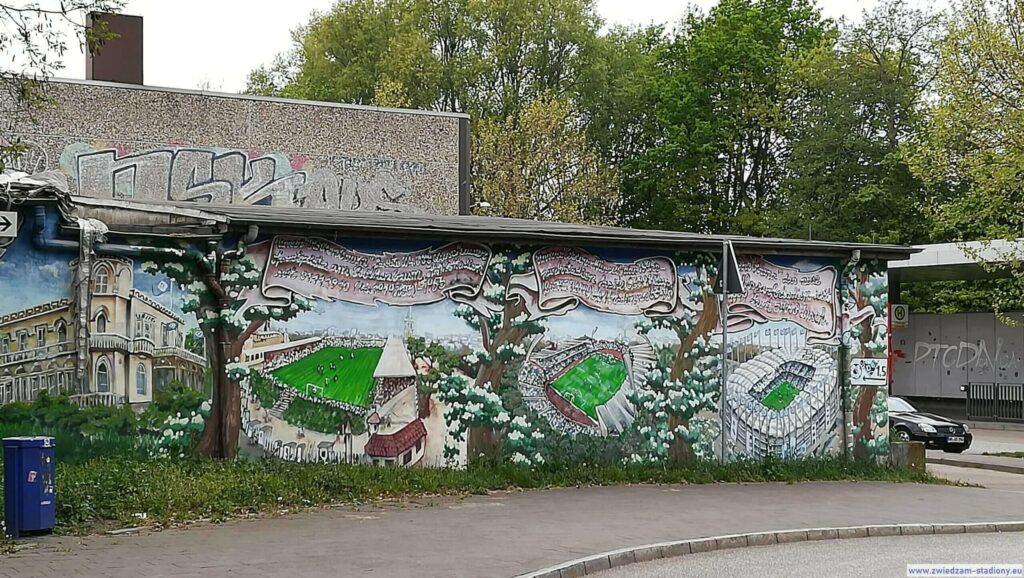 mural w drodze na stadion w Hamburgu