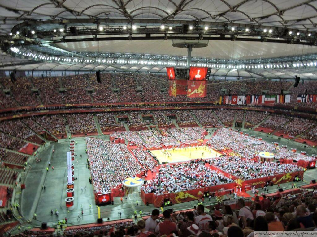 panorama stadionu narodowego wWarszawie podczas meczu siatkówki