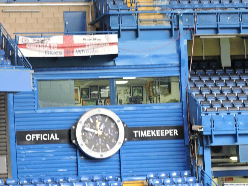zegar nastadionie Chelsea
