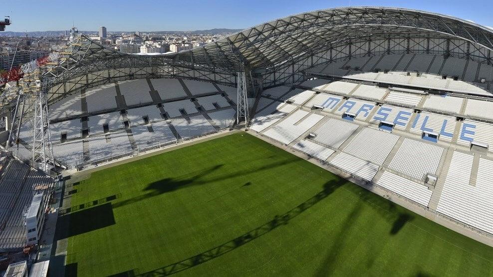 Stade De Velodrome zlotu ptaka