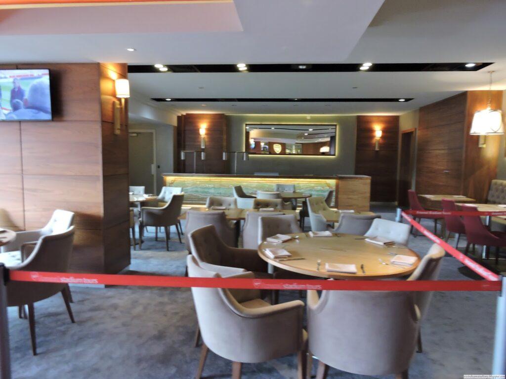 loża VIP na trybunie głównej