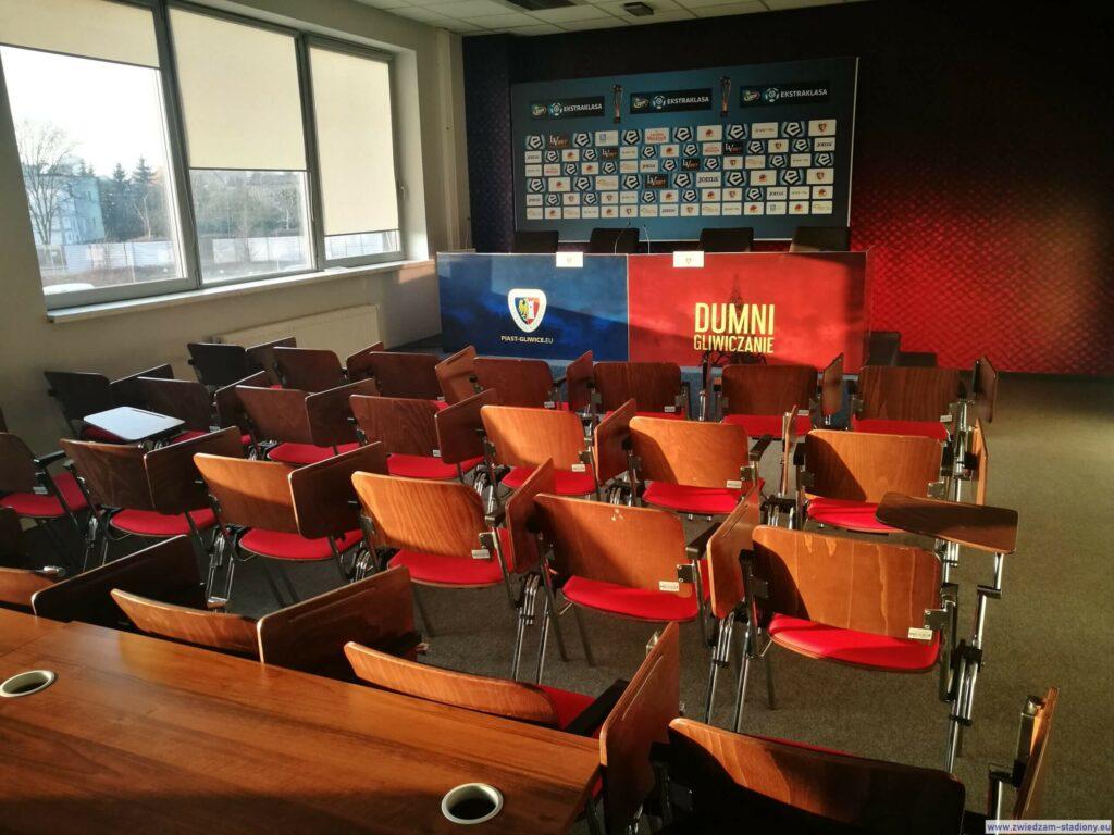 sala konferencyjna na stadionie w Gliwicach