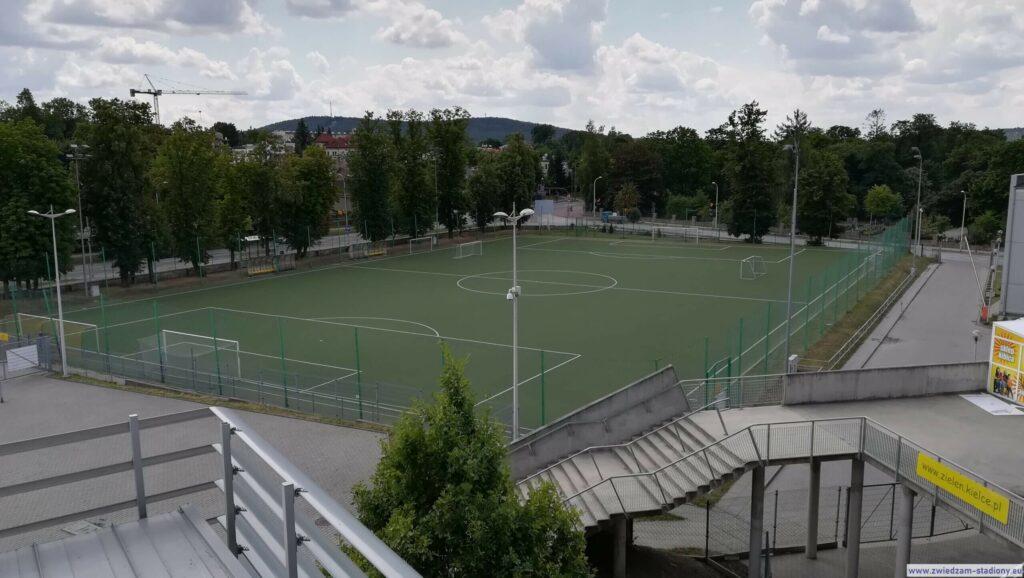 widok naboisko treningowe Korony Kielce