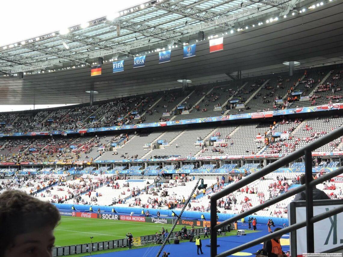 Stade de France widok na trybuny stadionu