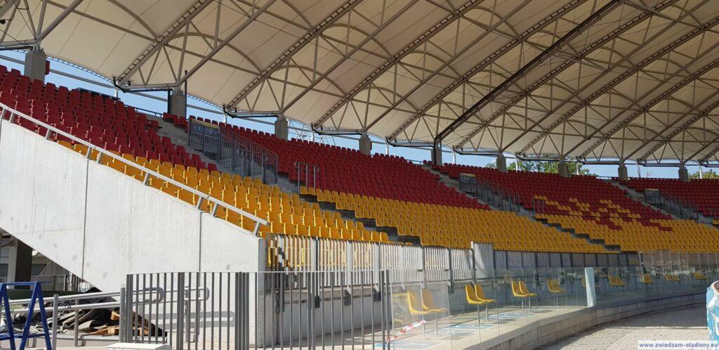 sektory trybuny głównej stadionu olimpijskiego Wrocław