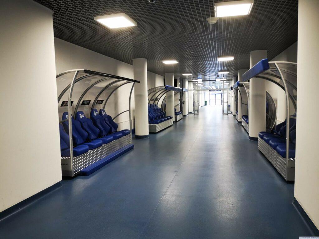 tunel prowadzący namurawę stadionu śląskiego