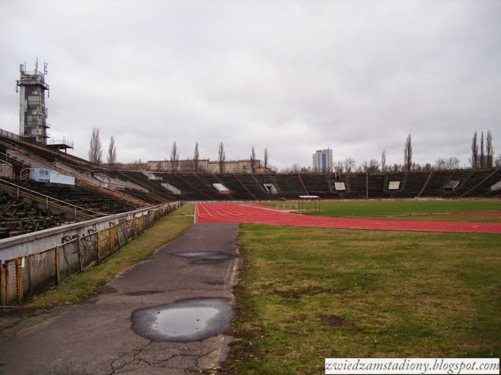 RKS SKRA widok na trybuny stadionu