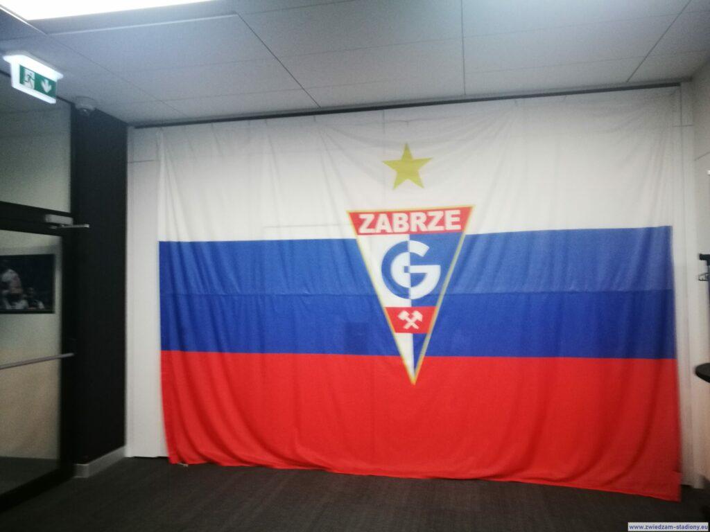 flaga Górnika Zabrze wstrefie VIP