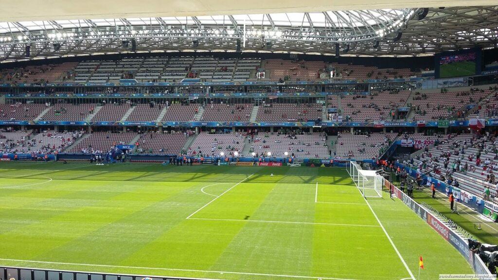 widok z irlandzkiego sektora na stadionie w Nicei
