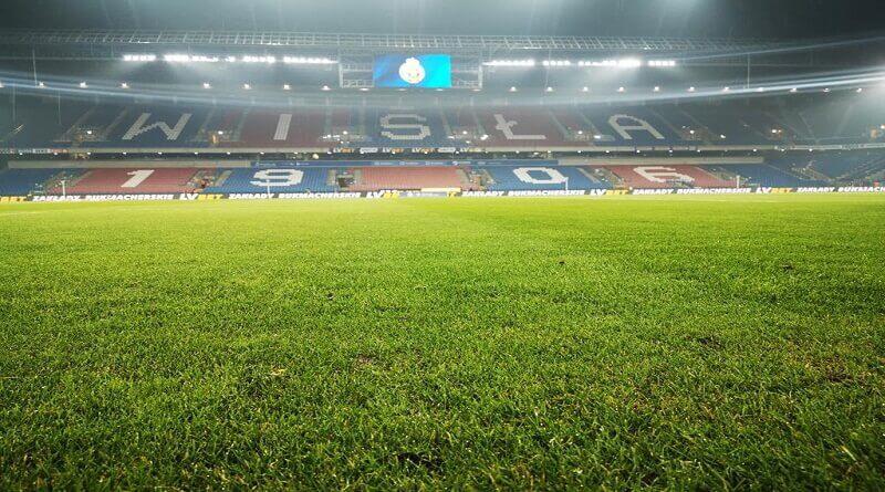 widok na murawę stadionu Wisły Kraków