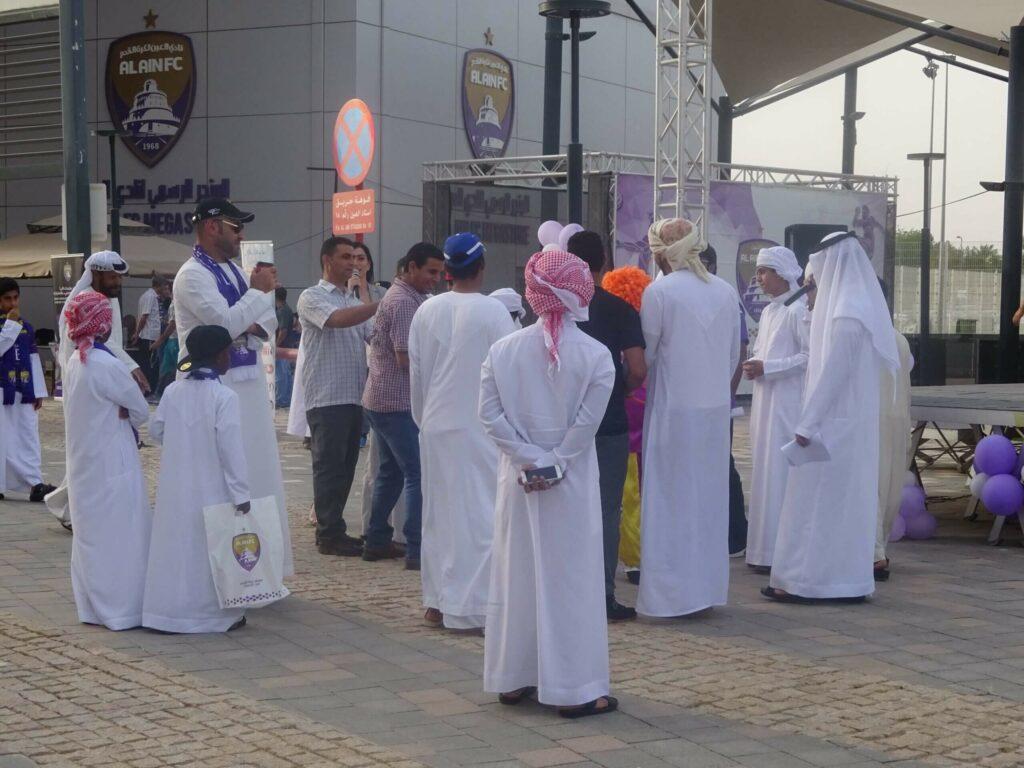 polak na stadionach w mieście Al Ain
