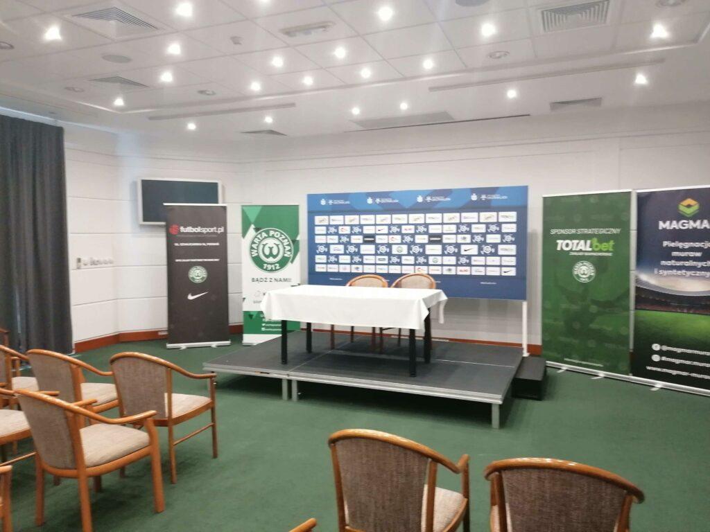 sala konferencyjna na stadionie w Grodzisku