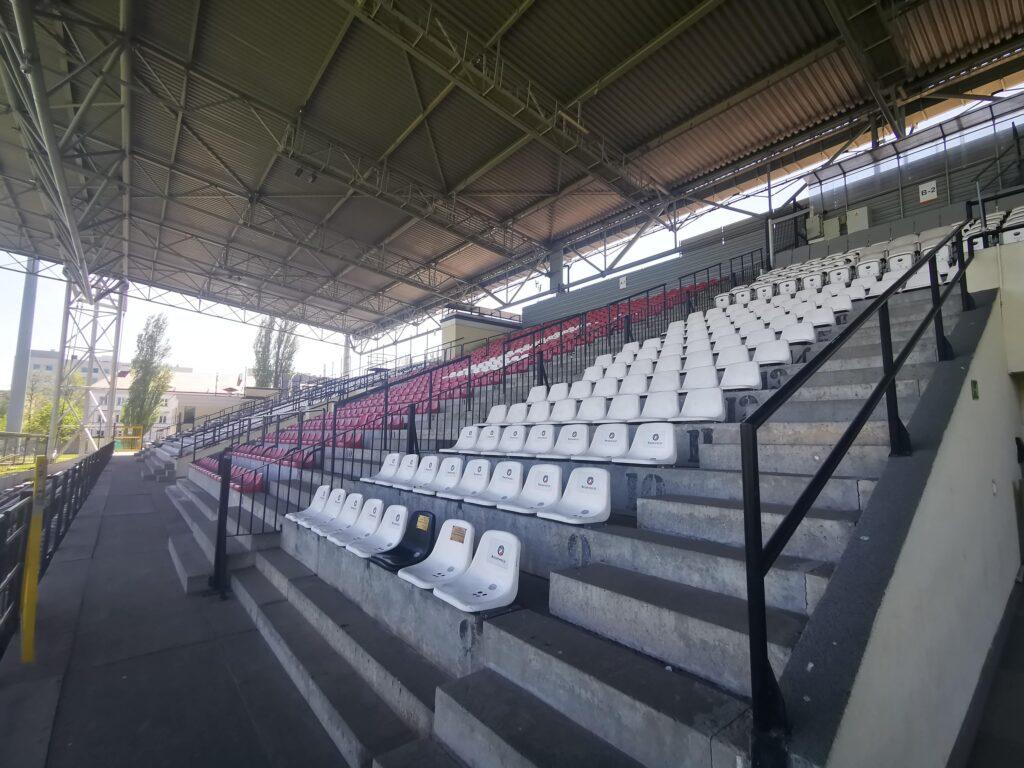 trybuna kryta na stadionie polonii warszawa